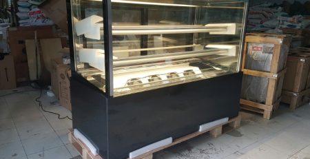 Giá tủ trưng bày bánh kem TPHCM