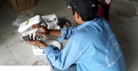Máy đánh trứng chính hãng chất lượng giá rẻ giao miễn phí toàn quốc
